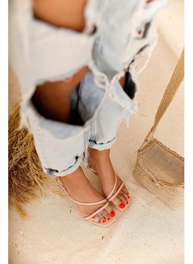 Limoya N Pudra Şeffaf Bantlı Kısa Ince Topuklu Sandalet Pudra